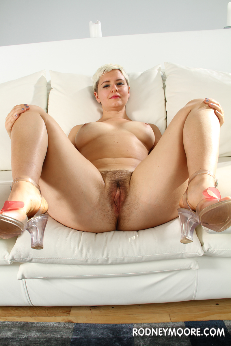 image Milf with a heavy accent joi